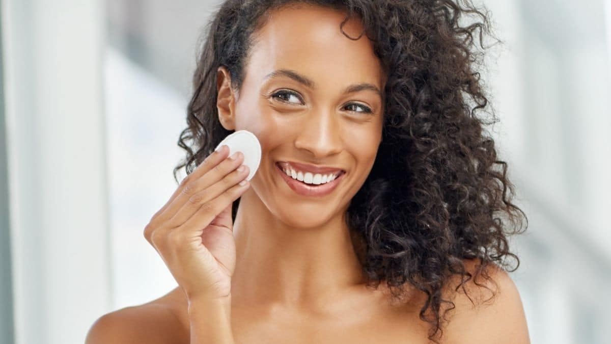 Why You Should Use Toner Daily